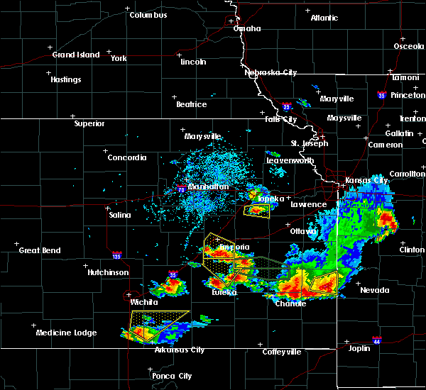 Radar Image for Severe Thunderstorms near Carbondale, KS at 5/14/2018 5:26 PM CDT