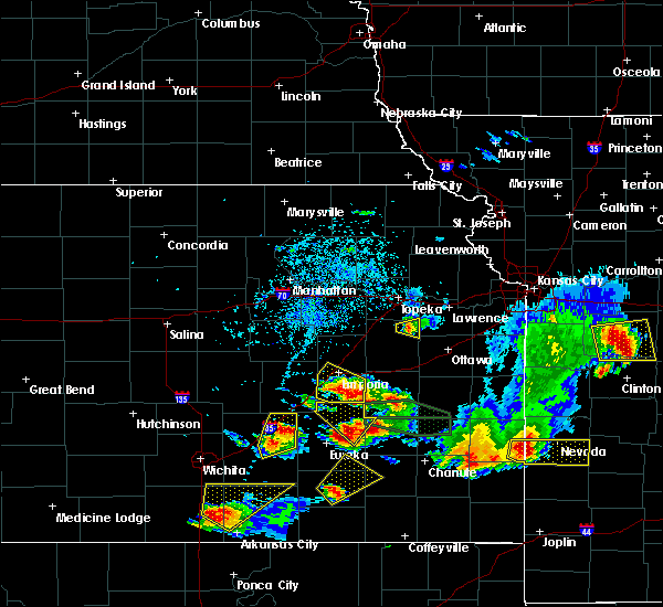 Radar Image for Severe Thunderstorms near Carbondale, KS at 5/14/2018 5:40 PM CDT