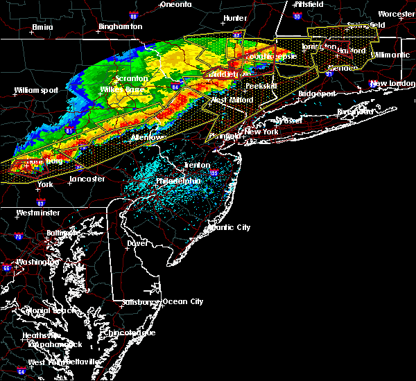 Radar Image for Severe Thunderstorms near Mountain Lake, NJ at 5/15/2018 4:20 PM EDT