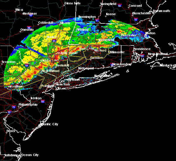 Radar Image for Severe Thunderstorms near Waterbury, CT at 5/15/2018 4:32 PM EDT