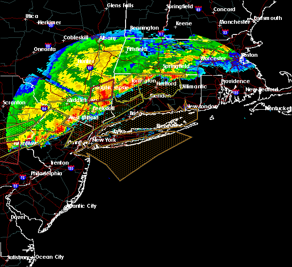 Radar Image for Severe Thunderstorms near Lincolndale, NY at 5/15/2018 4:42 PM EDT