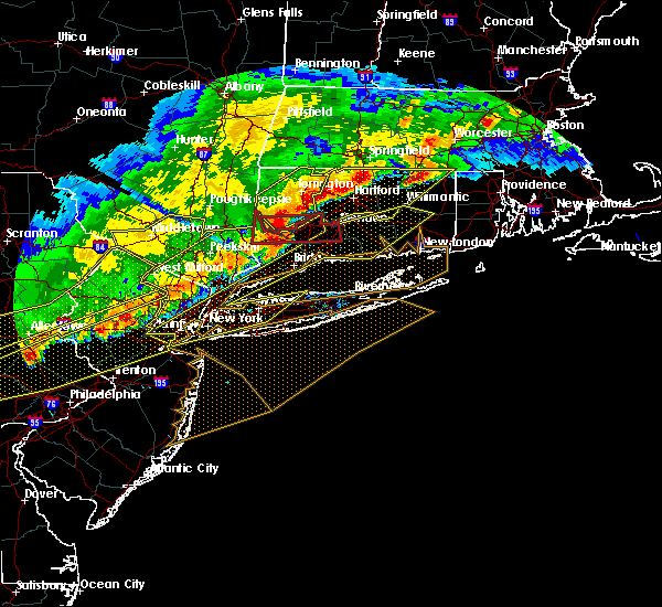 Radar Image for Severe Thunderstorms near Waterbury, CT at 5/15/2018 5:01 PM EDT