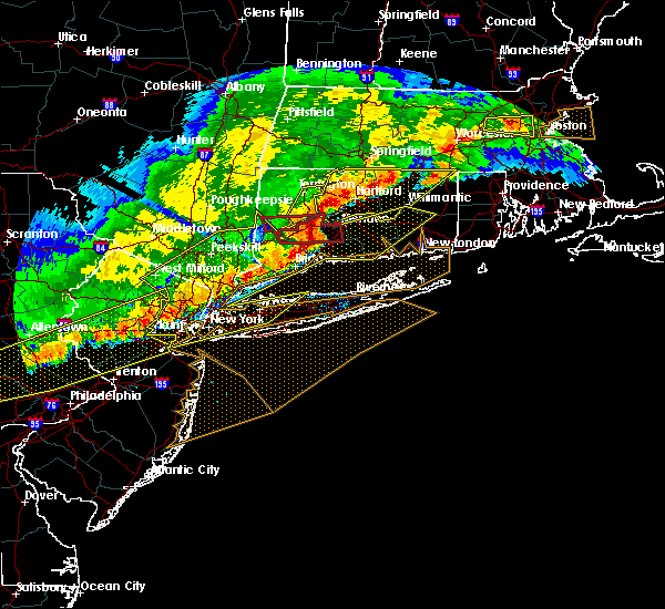 Radar Image for Severe Thunderstorms near Cheshire Village, CT at 5/15/2018 5:11 PM EDT
