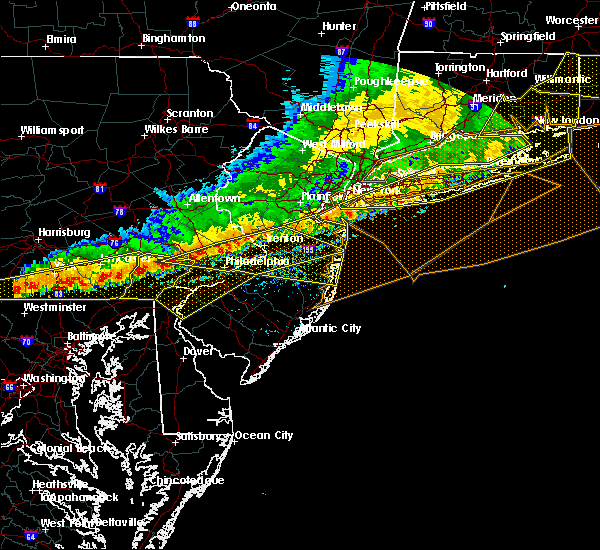 Radar Image for Severe Thunderstorms near Englishtown, NJ at 5/15/2018 5:56 PM EDT