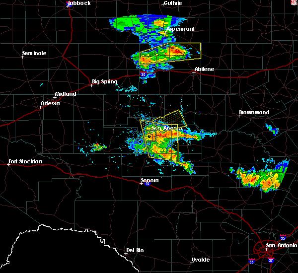 Radar Image for Severe Thunderstorms near Ballinger, TX at 5/15/2018 7:12 PM CDT