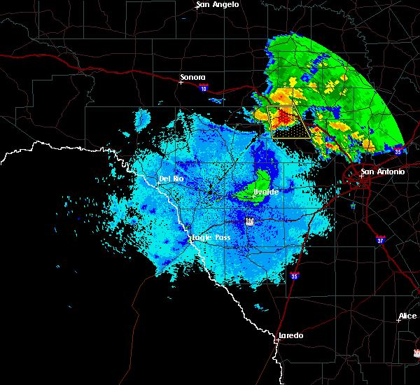 Radar Image for Severe Thunderstorms near Ingram, TX at 5/15/2018 9:36 PM CDT