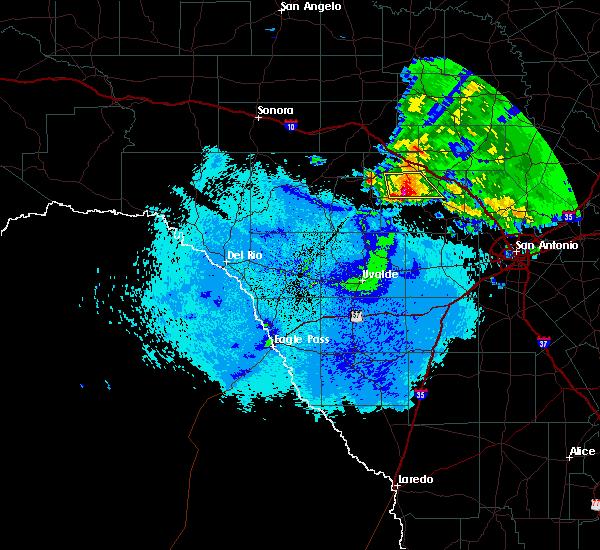 Radar Image for Severe Thunderstorms near Ingram, TX at 5/15/2018 9:55 PM CDT