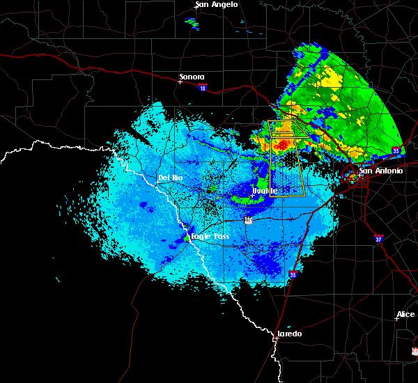 Radar Image for Severe Thunderstorms near Ingram, TX at 5/15/2018 10:10 PM CDT