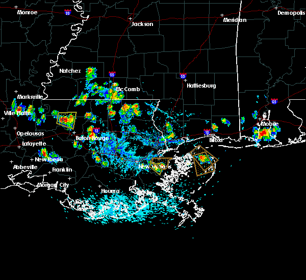 Radar Image for Severe Thunderstorms near Baton Rouge, LA at 5/18/2018 3:30 PM CDT