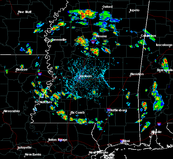 Radar Image for Severe Thunderstorms near Greenwood, MS at 5/20/2018 5:40 PM CDT