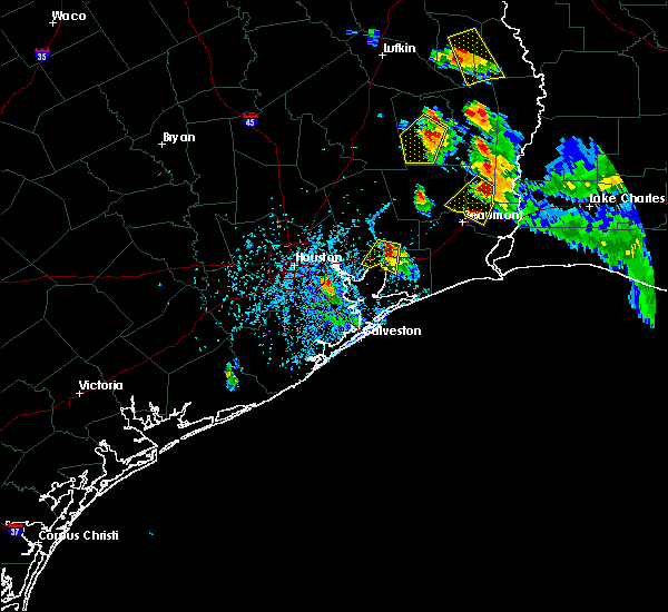 Radar Image for Severe Thunderstorms near Mont Belvieu, TX at 5/26/2018 5:39 PM CDT