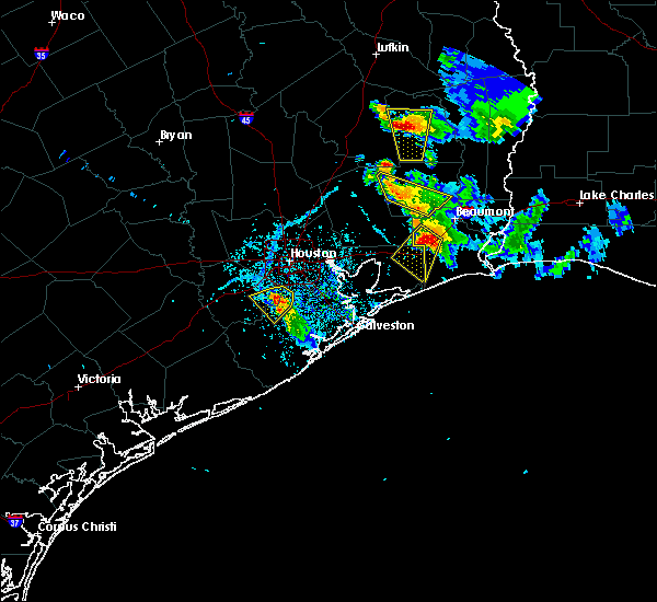Radar Image for Severe Thunderstorms near Winnie, TX at 5/26/2018 7:21 PM CDT