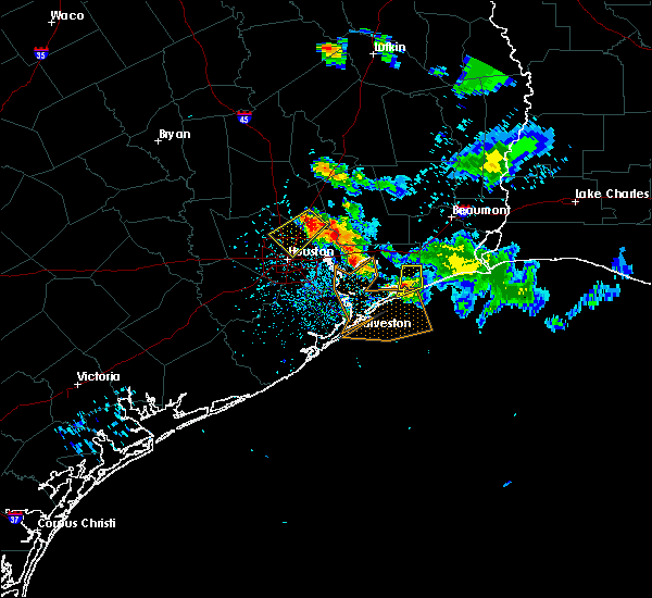 Radar Image for Severe Thunderstorms near Bolivar Peninsula, TX at 5/26/2018 8:23 PM CDT