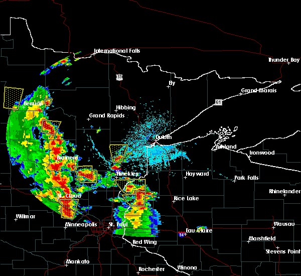 Radar Image for Severe Thunderstorms near Moose Lake, MN at 5/29/2018 4:40 PM CDT
