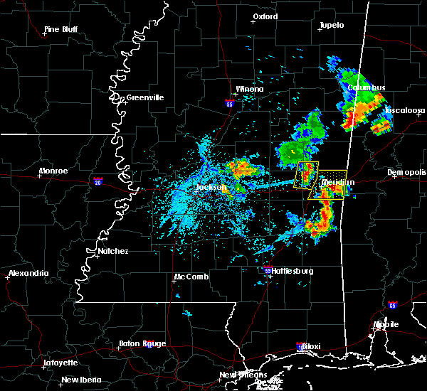 Radar Image for Severe Thunderstorms near Lauderdale, MS at 5/30/2018 6:21 PM CDT