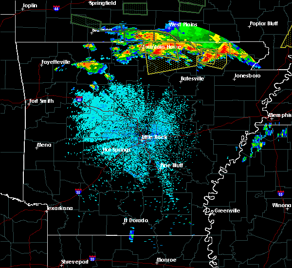 Radar Image for Severe Thunderstorms near Melbourne, AR at 5/31/2018 10:46 PM CDT
