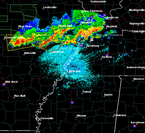 Radar Image for Severe Thunderstorms near Delaplaine, AR at 5/31/2018 11:09 PM CDT