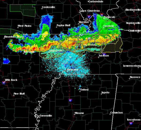 Radar Image for Severe Thunderstorms near Blytheville, AR at 6/1/2018 12:23 AM CDT