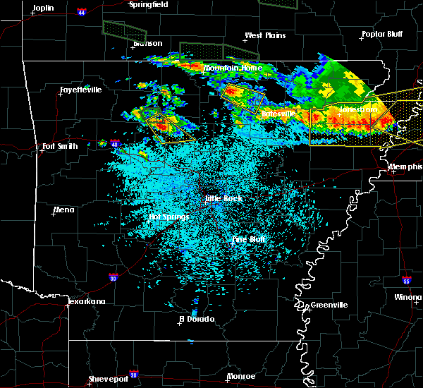 Radar Image for Severe Thunderstorms near Melbourne, AR at 6/1/2018 1:09 AM CDT