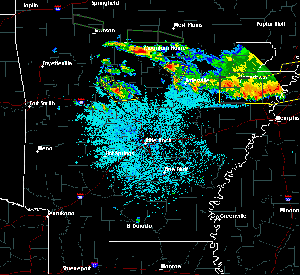 Radar Image for Severe Thunderstorms near Melbourne, AR at 6/1/2018 1:24 AM CDT