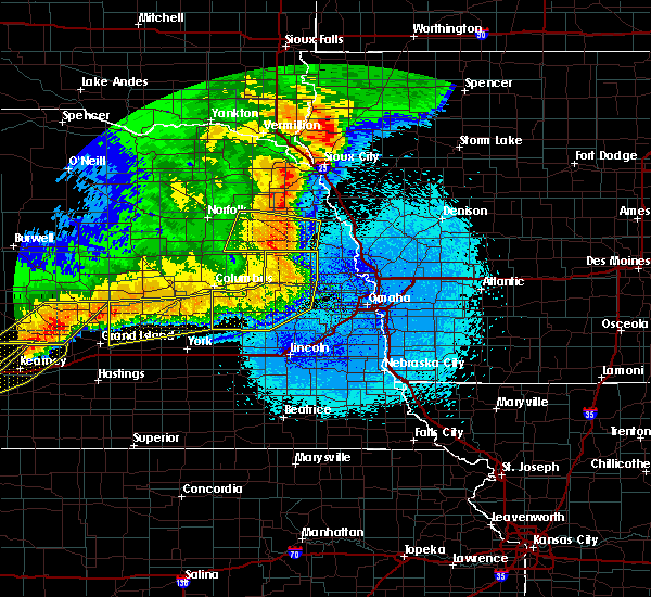 Radar Image for Severe Thunderstorms near Omaha, NE at 6/1/2018 11:23 PM CDT
