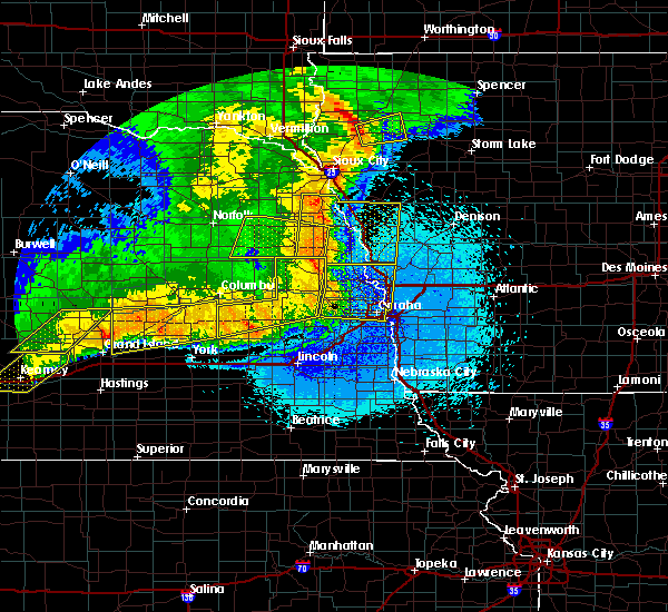 Radar Image for Severe Thunderstorms near Moorhead, IA at 6/1/2018 11:45 PM CDT