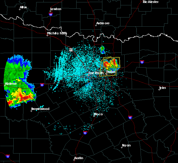 Radar Image for Severe Thunderstorms near Richardson, TX at 6/6/2018 1:24 AM CDT
