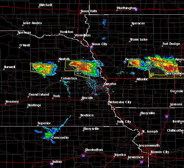 Radar Image for Severe Thunderstorms near Nickerson, NE at 6/6/2018 6:21 PM CDT