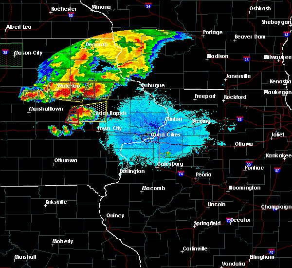 Radar Image for Severe Thunderstorms near Newhall, IA at 6/9/2018 9:28 PM CDT