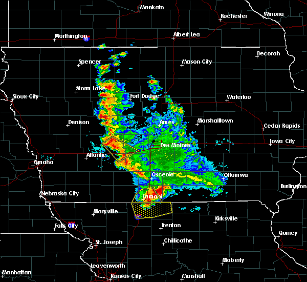 Radar Image for Severe Thunderstorms near De Soto, IA at 6/11/2018 1:43 AM CDT