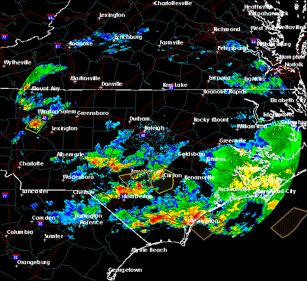 Radar Image for Severe Thunderstorms near Fayetteville, NC at 6/11/2018 6:02 PM EDT