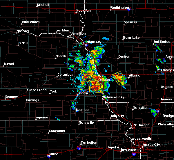Radar Image for Severe Thunderstorms near Valley, NE at 6/11/2018 5:54 PM CDT