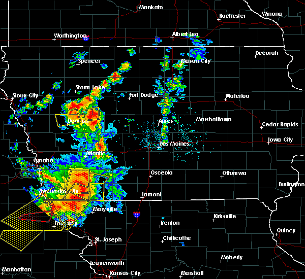 Radar Image for Severe Thunderstorms near Nodaway, IA at 6/11/2018 8:13 PM CDT