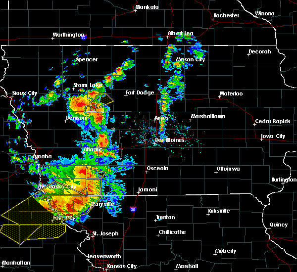 Radar Image for Severe Thunderstorms near Lake City, IA at 6/11/2018 8:31 PM CDT
