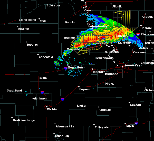 Radar Image for Severe Thunderstorms near Fairview, KS at 6/11/2018 9:03 PM CDT