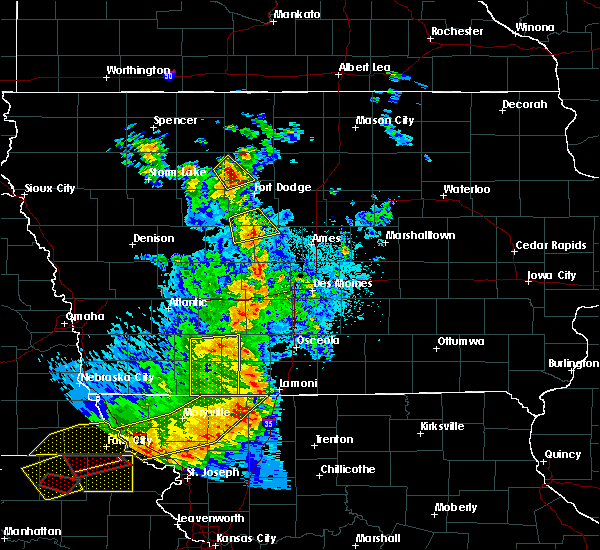 Radar Image for Severe Thunderstorms near Pioneer, IA at 6/11/2018 9:21 PM CDT