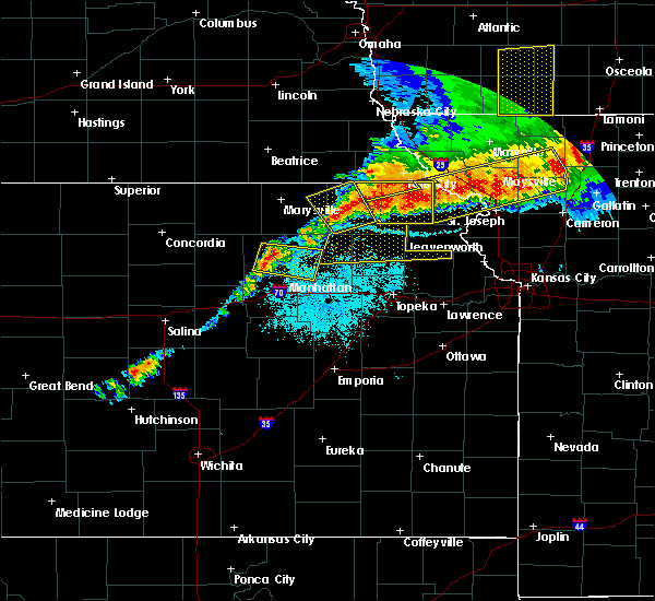 Radar Image for Severe Thunderstorms near Manhattan, KS at 6/11/2018 9:39 PM CDT