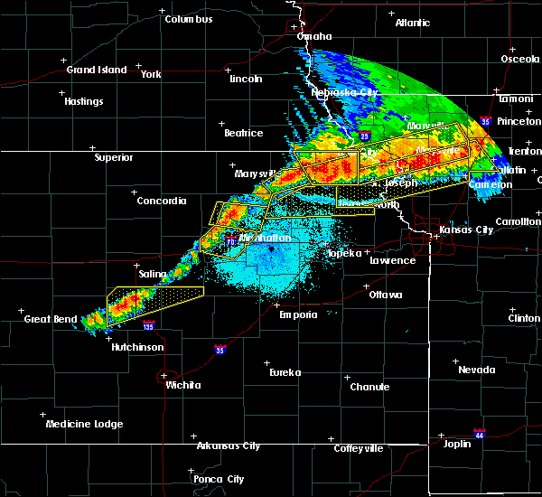 Radar Image for Severe Thunderstorms near Manhattan, KS at 6/11/2018 9:55 PM CDT