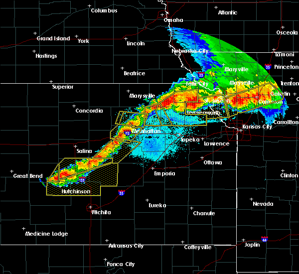 Radar Image for Severe Thunderstorms near Westmoreland, KS at 6/11/2018 10:25 PM CDT