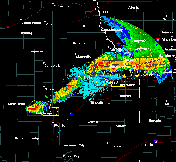 Radar Image for Severe Thunderstorms near Auburn, KS at 6/11/2018 10:53 PM CDT