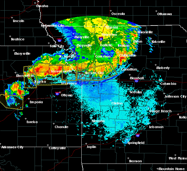 Radar Image for Severe Thunderstorms near Edwardsville, KS at 6/11/2018 11:20 PM CDT