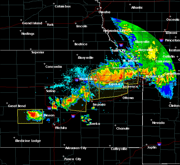 Radar Image for Severe Thunderstorms near Auburn, KS at 6/11/2018 11:32 PM CDT