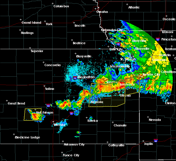 Radar Image for Severe Thunderstorms near Waverly, KS at 6/12/2018 12:24 AM CDT