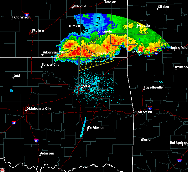 Radar Image for Severe Thunderstorms near Delaware, OK at 6/12/2018 4:00 AM CDT