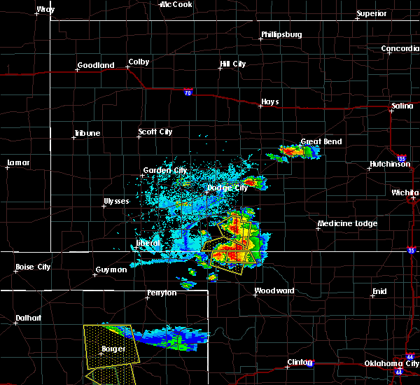 Radar Image for Severe Thunderstorms near Great Bend, KS at 6/12/2018 6:37 PM CDT