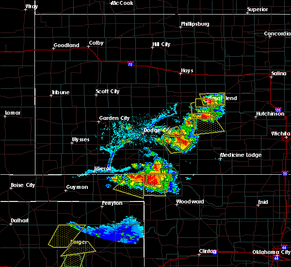 Radar Image for Severe Thunderstorms near Greensburg, KS at 6/12/2018 7:27 PM CDT