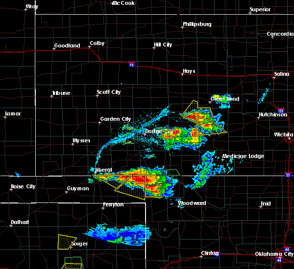 Radar Image for Severe Thunderstorms near Radium, KS at 6/12/2018 8:00 PM CDT