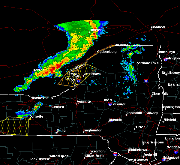 Radar Image for Severe Thunderstorms near Oxbow, NY at 6/13/2018 6:02 PM EDT