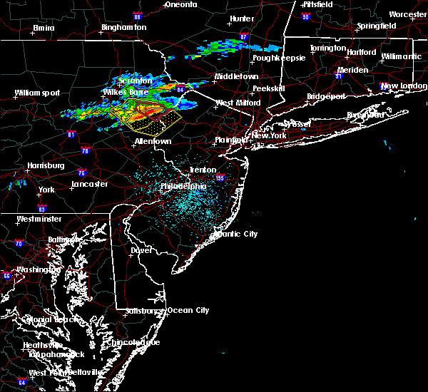 Radar Image for Severe Thunderstorms near Mountain Lake, NJ at 6/13/2018 11:00 PM EDT