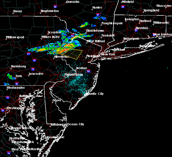 Radar Image for Severe Thunderstorms near Mountain Lake, NJ at 6/13/2018 11:30 PM EDT